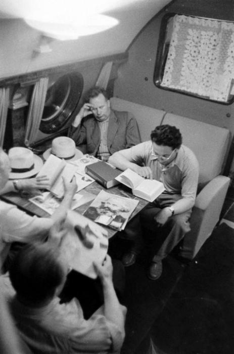 Чтение в полёте.