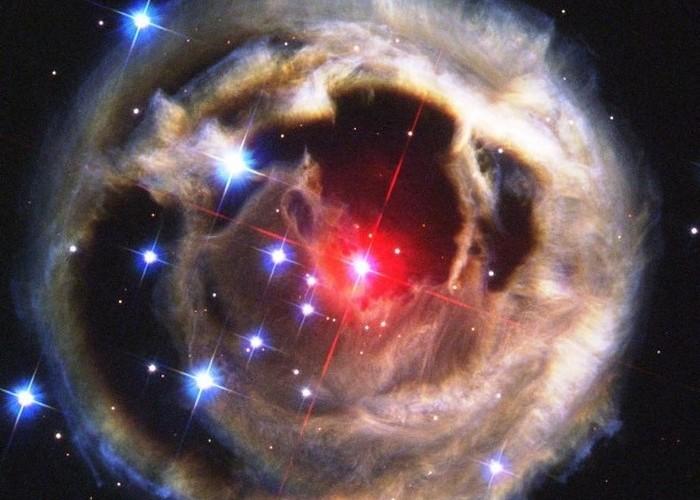 Звезда внутри другой звезды.
