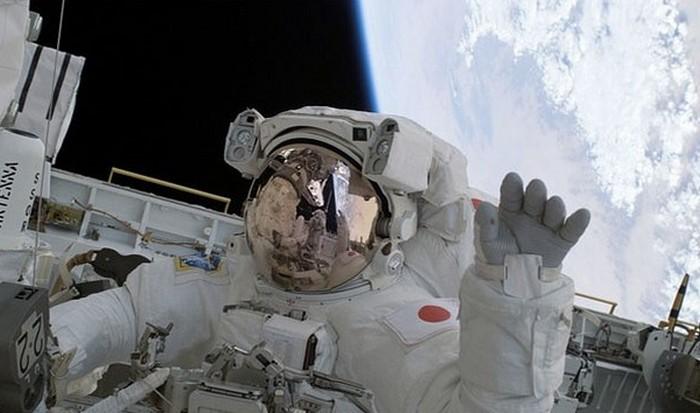 Загадочная Вселенная: космонавты прибавляют в росте до 5 см.