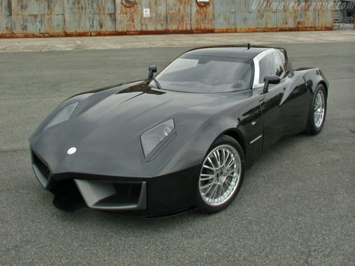 Итальянский суперкар для ценителей высокого стиля.