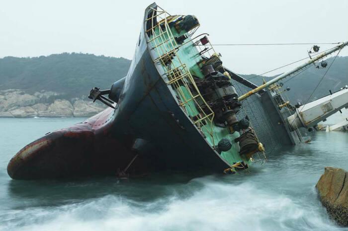 Зависит все от размеров судна и скорости погружения. |Фото: mfame.guru.