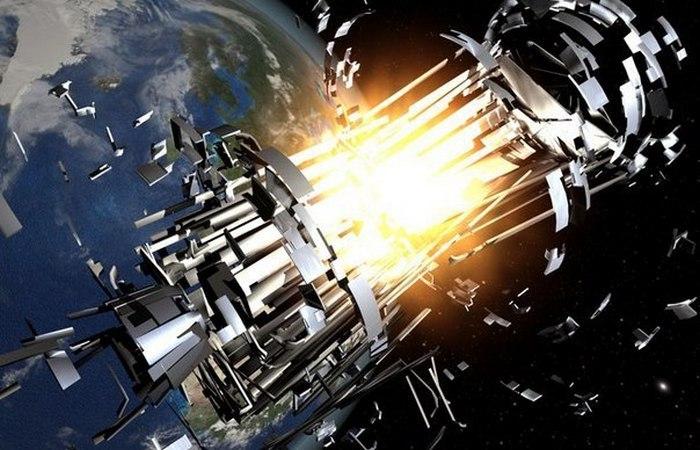 Уничтожение спутника на орбите.