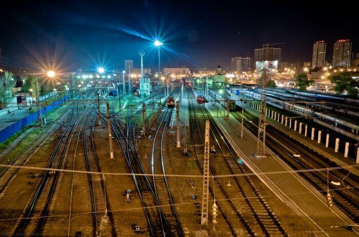 Любая настоящая станция обладает развитой сетью путей. |Фото: proprikol.ru.