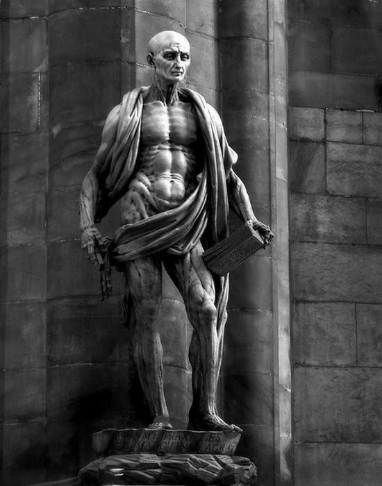 Статуя Святой Варфоломей.