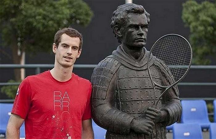 Статуя Энди Мюррей.