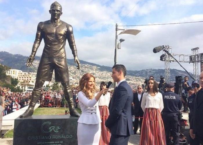 Статуя Криштиану Роналду.