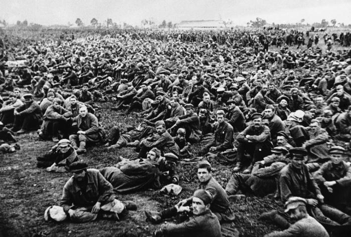 За ошибки первых месяцев войны СССР заплатил страшную цену. |Фото: fototelegraf.ru.