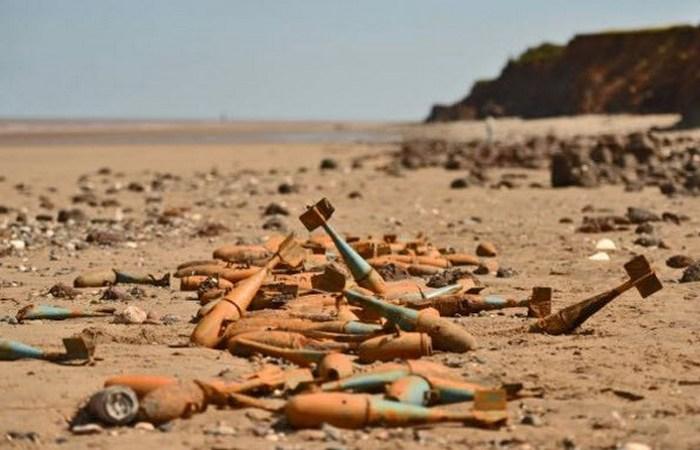 Бомбы на побережье.