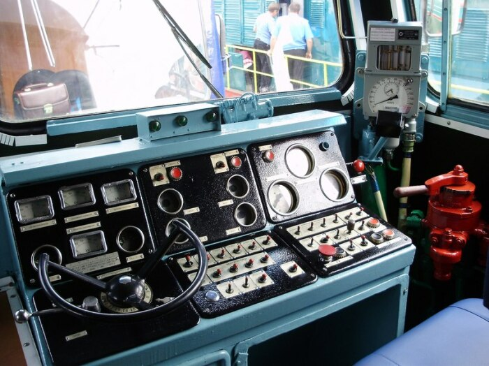 Стекло направлено иначе. |Фото: trainpix.org.