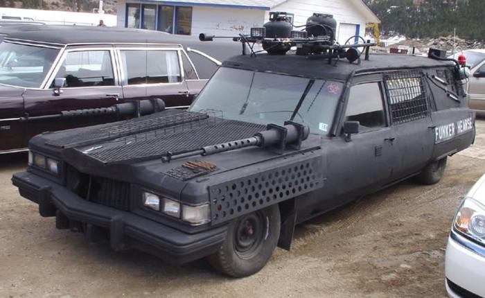 Автомобиль для зомби-апокалипсиса.