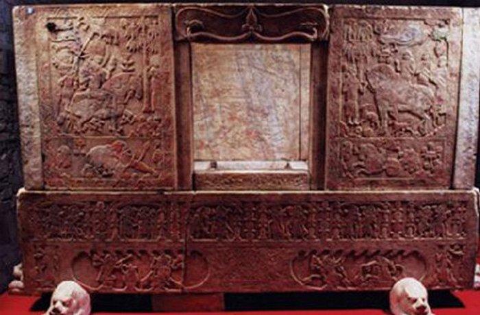 Гробница Юй Хуна.