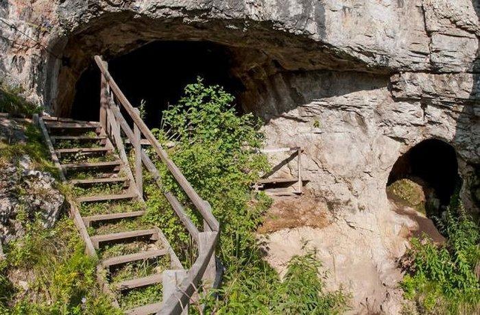 Гробница Денисова пещера.