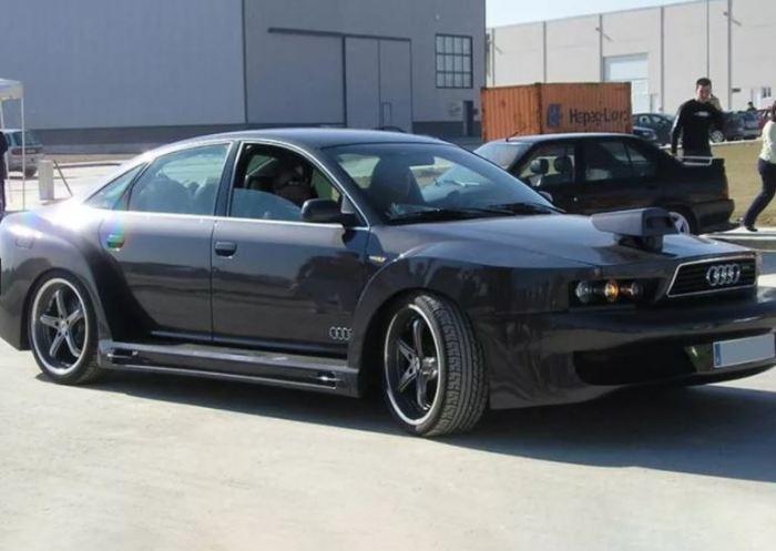 Пугающий Audi A6.