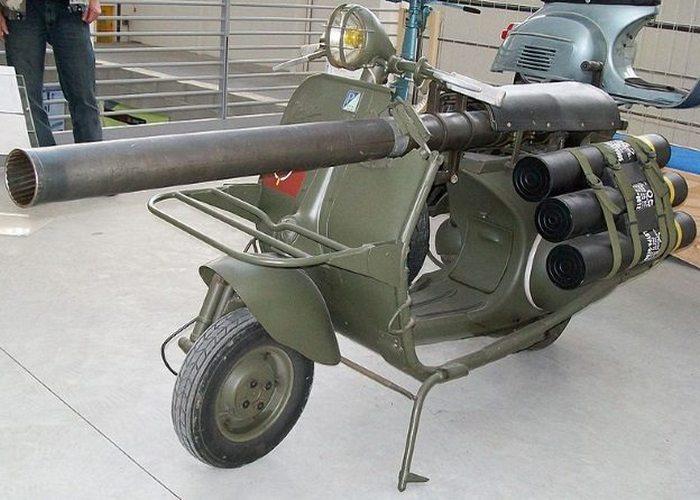 Милитарискутер Vespa 150 TAP.