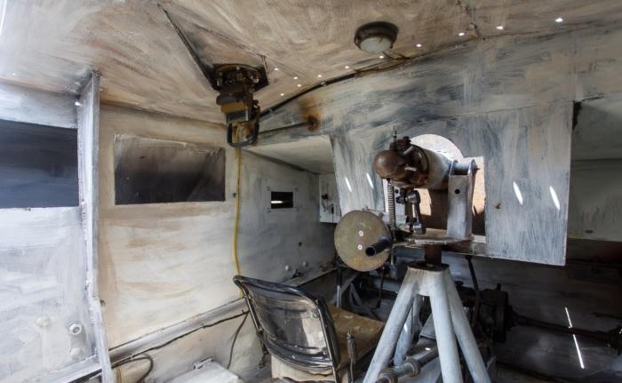 Вот как все выглядит внутри StuG III.