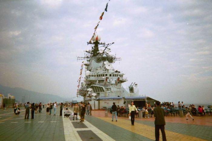 В итоге крейсер стал аттракционом. |Фото: openmpe.com.