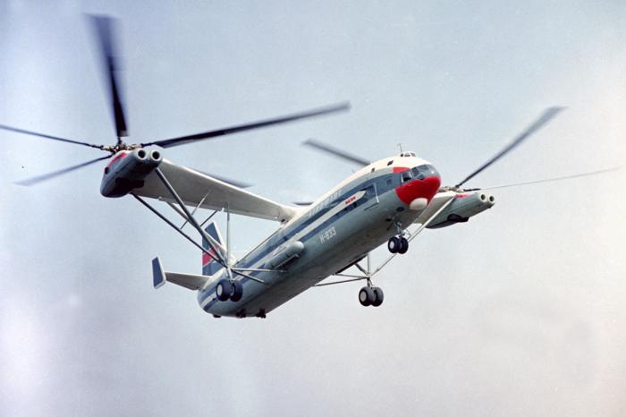 Транспортный вертолет Ми-12.
