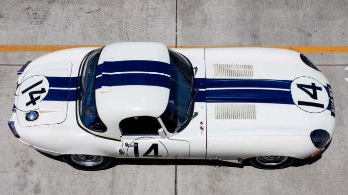 Автомобиль легенда.