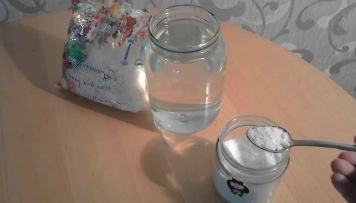 Готовим соляной раствор. |Фото: yandex.by.