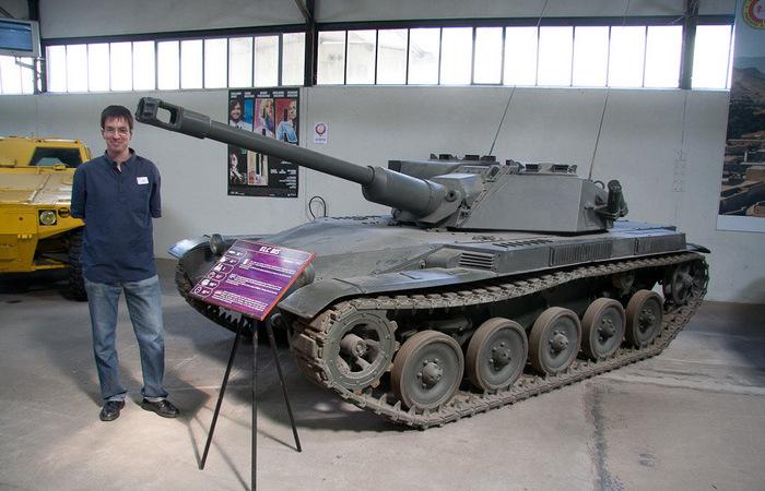3 крошечных танка с большими пушками, которые можно было доставлять самолетами на поле боя