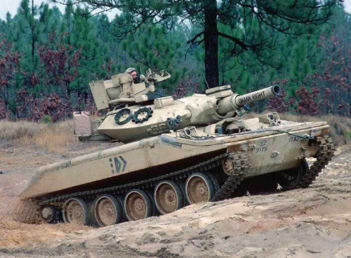 Десантный танк. |Фото: yandex.ru.