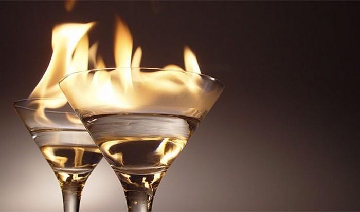 Алкоголь уменьшает внутреннюю температуру тела.