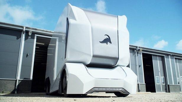 Робот-грузовик, который захватит дороги.