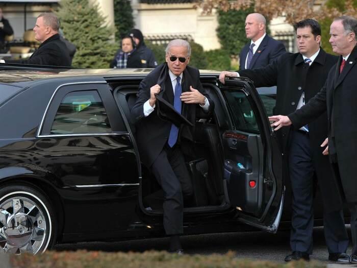 Правда ездить самому ему нельзя по законам США. |Фото: today.com.
