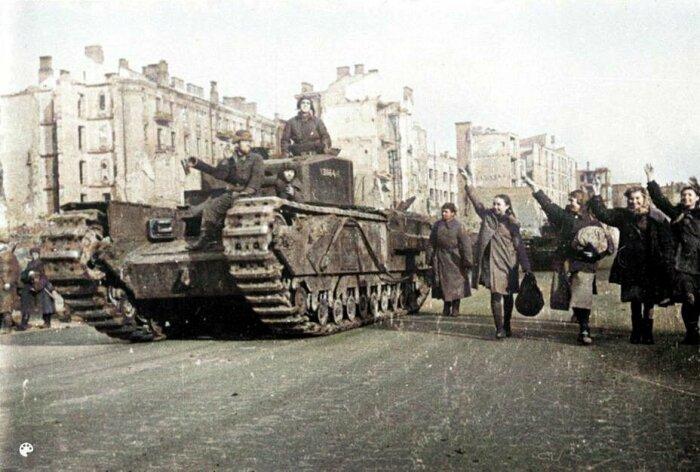 Черчилль машиной был непростой. |Фото: pulse.mail.ru.