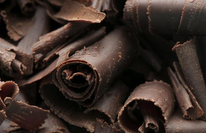 Полезно для зубов: темный шоколад.