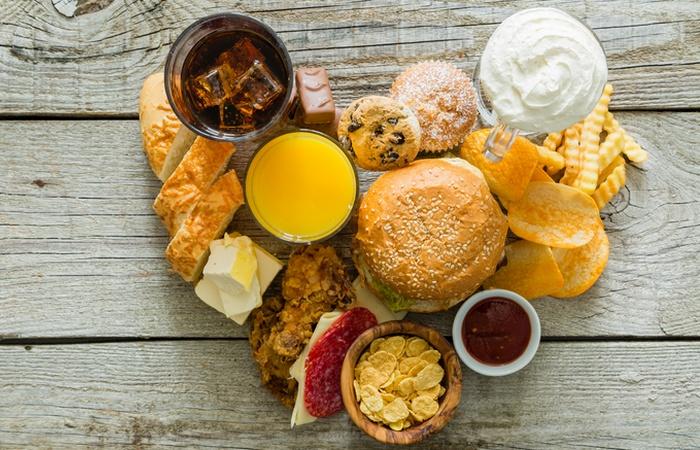 Вредно для зубов: крахмалистые и липкие продукты.