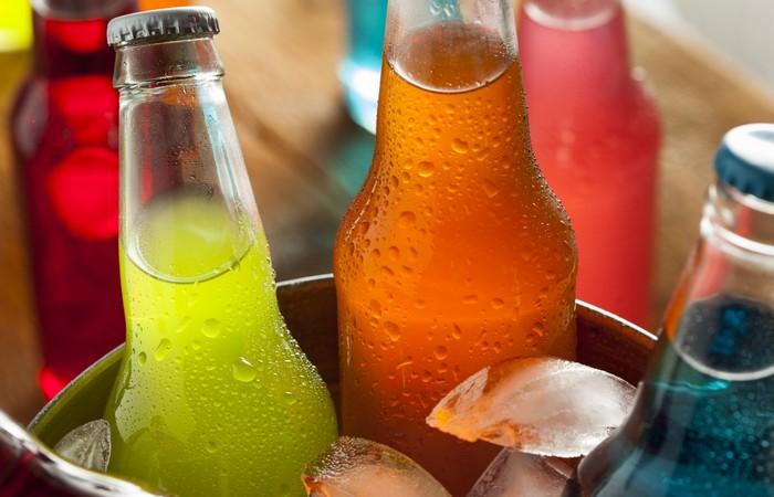 Вредно для зубов: газированные безалкогольные напитки.