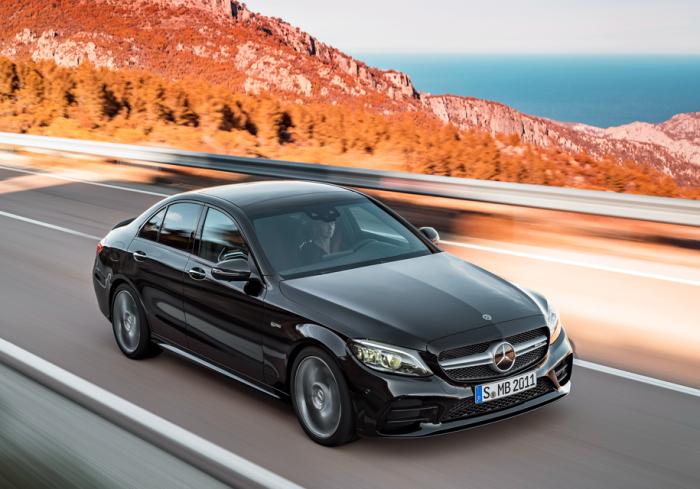 Mercedes С-класса - самый горемычный автомобиль.