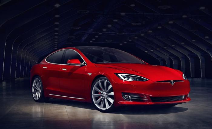 Tesla Model S - инновационный электрокар.