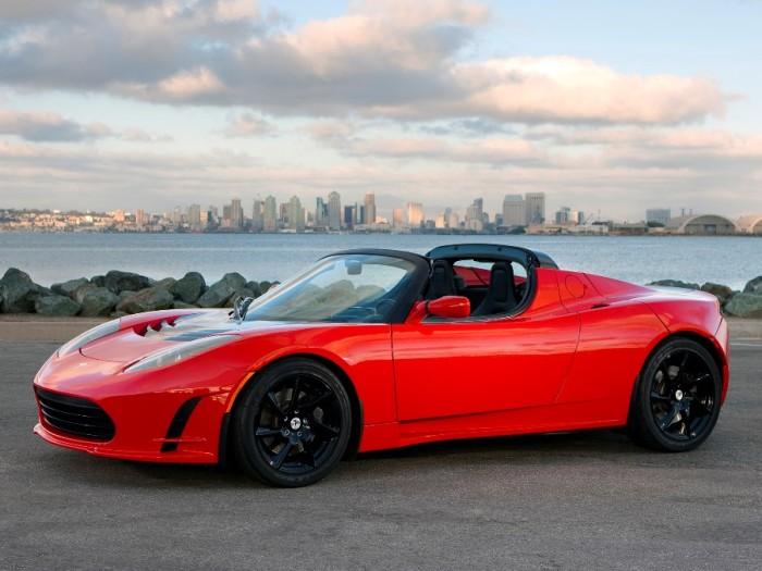 Собственно Tesla Roadster во плоти.