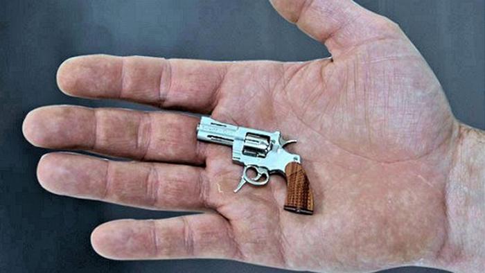 Самый маленький пистолет.