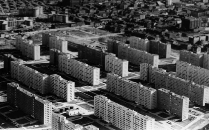 «Прюитт-Игоу» состоял из тридцати трех 11-этажных типовых жилых зданий.