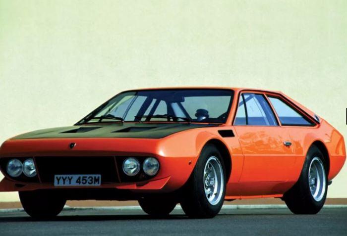 Спортивное творение мастера Боба в лице Lamborghini Jarama Rallye.