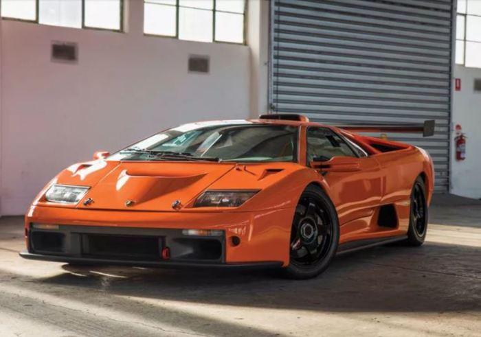 Настоящий гоночный кар Lamborghini Diablo GTR.