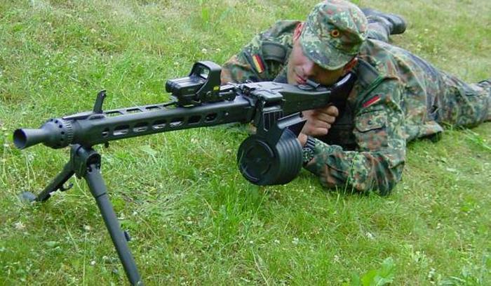 Даже сейчас в Германии используют глубоко модифицированный MG 42.