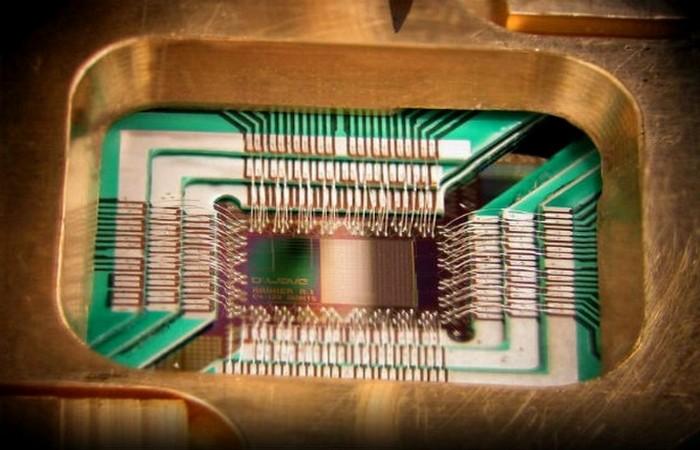Чип для квантового компьютера.