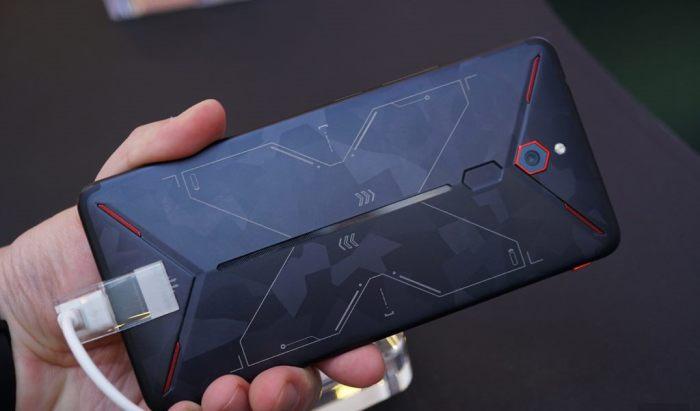Мощное устройство для любителей игр. Фото: youtube.com.