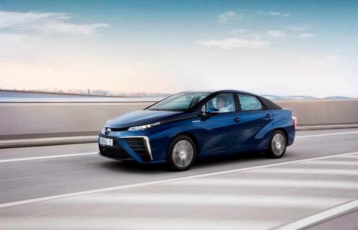 Toyota Mirai - эко-транспорт по-японски.