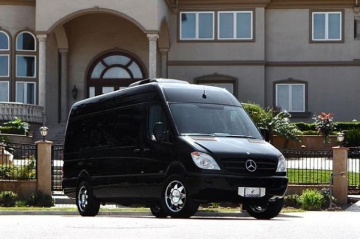 Mercedes Sprinter для самых замкнутых путешественников.