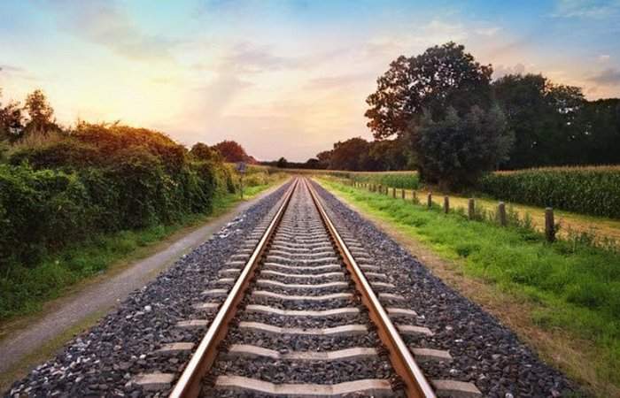 В 1930 году длина дорог США составила 692000 км.