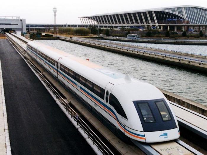 Отличный поезд Shanghai .