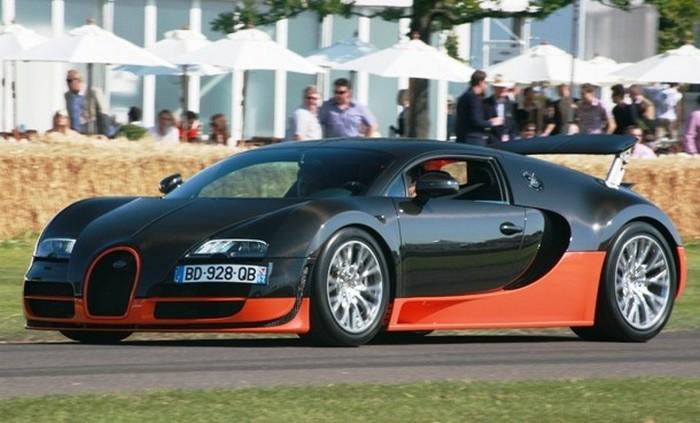 Серийный суперскоростной  автомобиль.