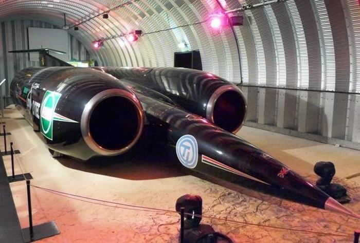 Ракетомобиль и другие самые быстрые в своём классе транспортные средства.