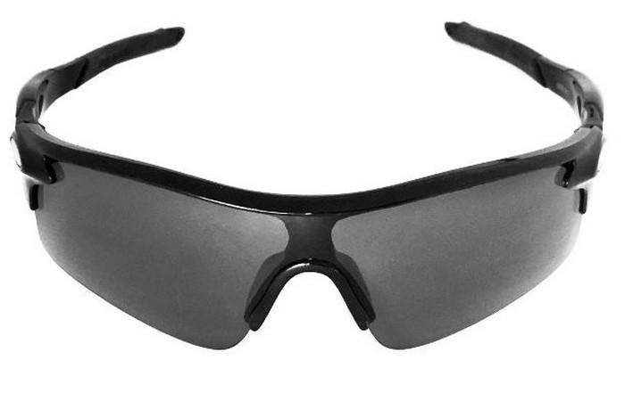 Солнцезащитные очки J + S.