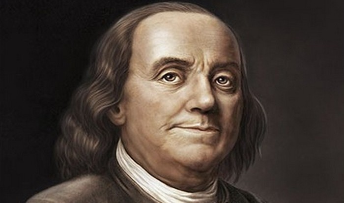 Бенджамин Франклин заставил перечитывать и корректировать конституцию.